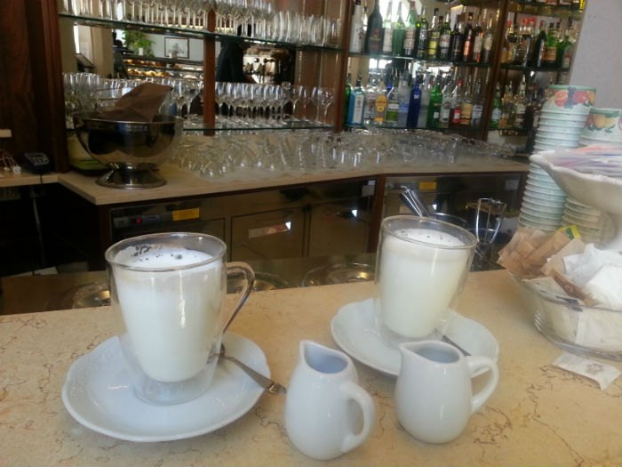 Pisa'da Cafe Latte