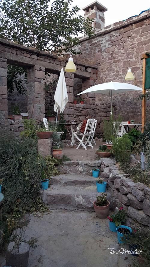 Behramkale - Mavi Kapı